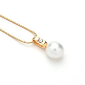 ORBIT-pearl-pendant-Big-1